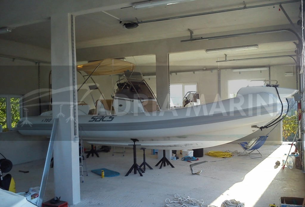 Inflantable boat inside the hall