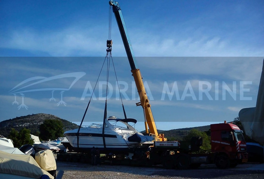 Transport yacht to dry dock